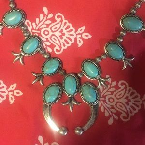 Jewelry - Western Style Concho Necklace